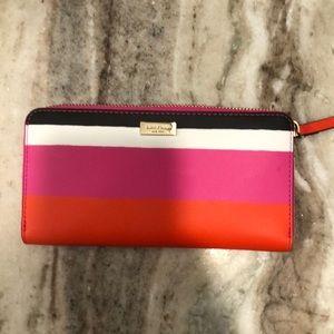 🆕 Kate spade wallet